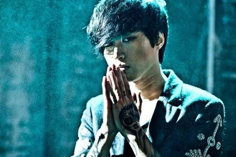 Umbrella (ban goc) - Tablo (Epik High) ft. Younha hinh anh