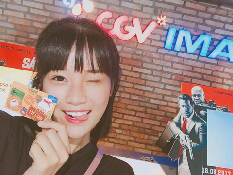 Hoang Yen Chibi ru fan lam the U22 de xem phim gia 45.000 dong hinh anh