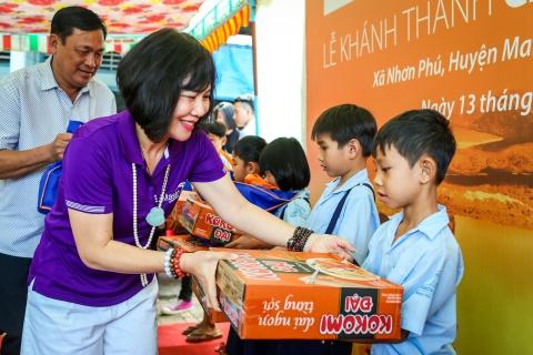 Khanh thanh cau Nam Phuong cho ba con tinh Vinh Long hinh anh 9