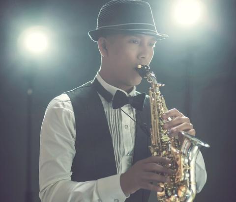 Nghe si saxophone Minh Tam Bui tro lai voi du an am nhac moi hinh anh