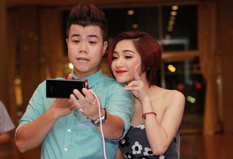 Cam bien Sony Exmor R tren smartphone thuong hieu Viet hinh anh