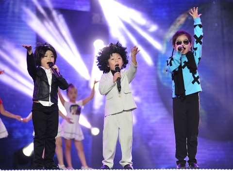 Michael Jackson 'tai xuat' tren san khau Do Re Mi hinh anh
