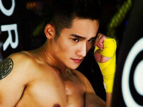 Bai tap ren co bung 6 mui cua hot boy Duy Phuong hinh anh