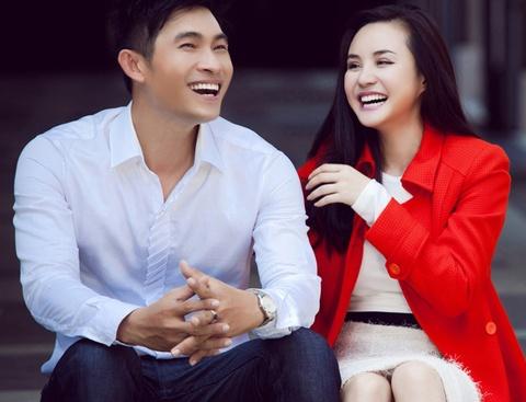 Vy Oanh dao pho don Noel som ben Nguyen Hong An hinh anh