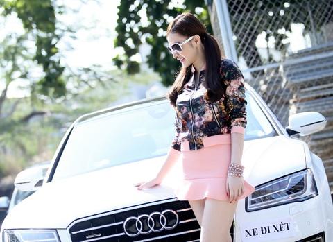 Angela Phuong Trinh di bam bien so cho xe hop moi gia 6 ty hinh anh