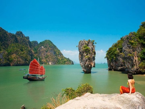 Vi sao dao Phuket thu hut du khach quoc te? hinh anh