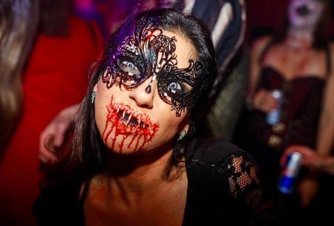 5 le hoi Halloween dinh dam hut khach khap chau Au hinh anh