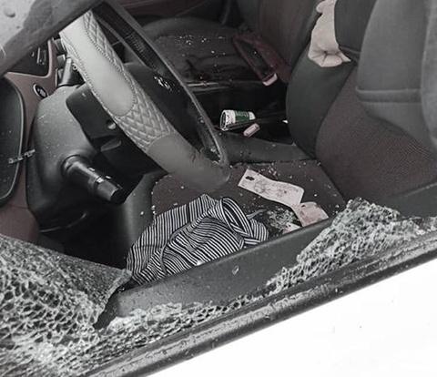 Nữ tài xế bị đâm chết trên ôtô