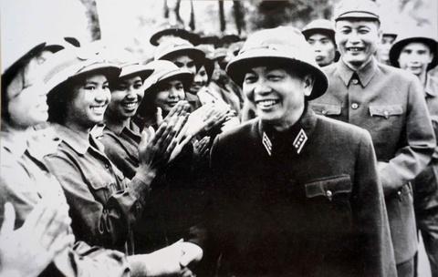 Ky uc cua dai tuong Pham Van Tra ve Tu lenh Truong Son Dong Sy Nguyen hinh anh 2