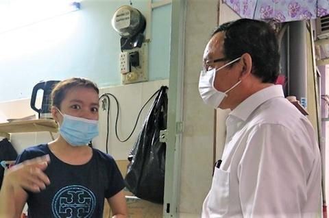 Bi thu Nguyen Van Nen tham gia dinh nan nhan vu chay 8 nguoi chet hinh anh