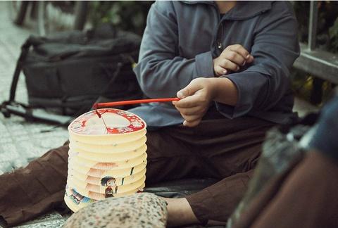 Be gai don Trung thu cung me ben le duong Sai Gon hinh anh 8