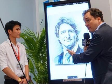 9X ve tranh tang Thu tuong Canada hinh anh
