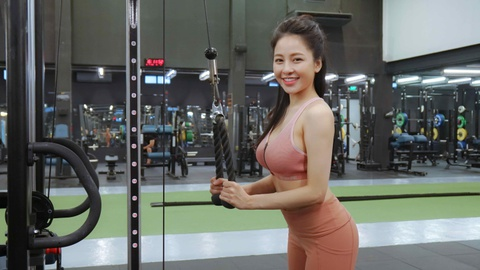 Tram Anh: 'Minh da xin loi nhung moi nguoi khong chap nhan' hinh anh 7