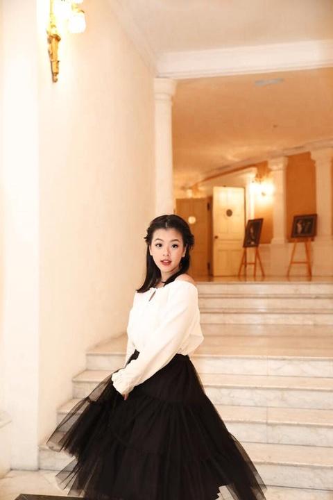 Con gai nghe si Chieu Xuan: 'Rat vui khi duoc me cho het so li xi Tet' hinh anh 3