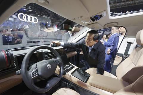 Khong phai Elon Musk, nguoi dan ong TQ nay moi la 'vua xe dien' hinh anh