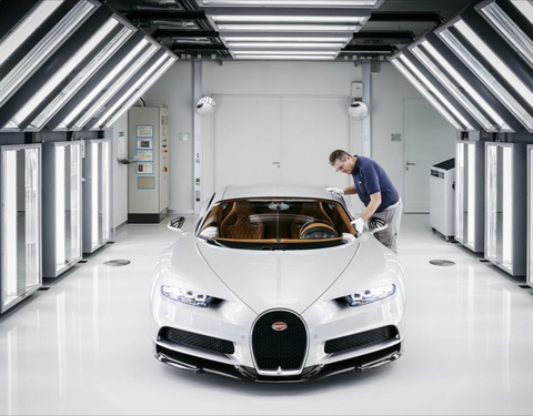 Chu xe Bugatti Chiron thu toc do toi da hinh anh