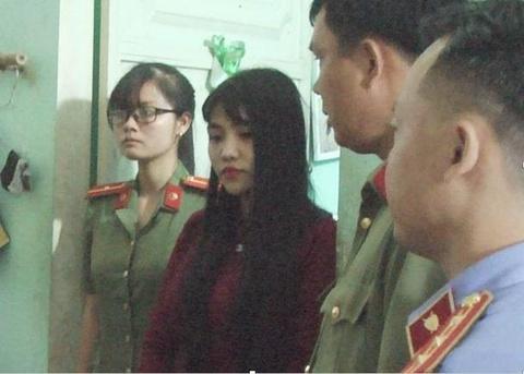 Truy to hot girl Dai hoc Dong Thap to chuc thi ho cho sinh vien hinh anh
