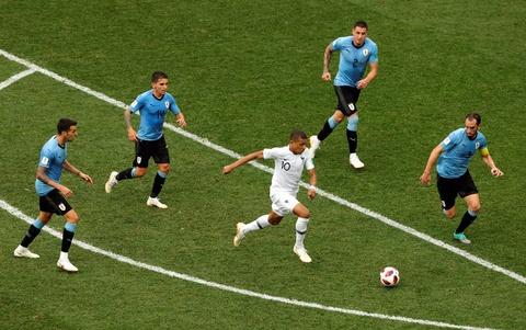 Phap vs Bi: Lich su World Cup goi ten Hazard va dong doi? hinh anh 2