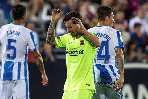 Khi Messi khong the mai dong vai dang cuu the hinh anh 2