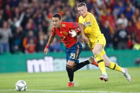 Tay Ban Nha thua Anh 2-3: Hang cong chan go bao hai 'Bo tot' hinh anh 5