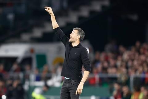 Tay Ban Nha thua Anh 2-3: Hang cong chan go bao hai 'Bo tot' hinh anh 4