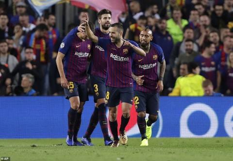 Barca thang Inter Milan 2-0: Khong Messi, khong van de hinh anh