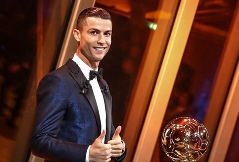Ronaldo se vuot Modric de gianh Qua bong vang 2018? hinh anh
