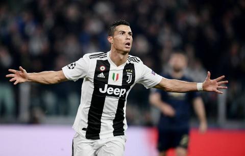 Ronaldo va su hoan thien o tuoi 33 cung Juventus hinh anh