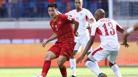 Tim Cahill chúc mừng chiến thắng của tuyển Việt Nam