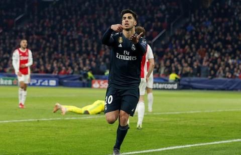 Real Madrid thang Ajax 2-1: Ban linh nha vo dich hinh anh 1