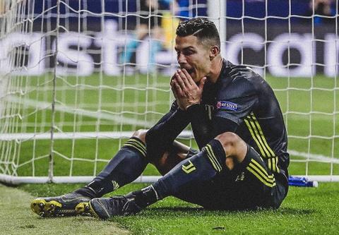 Juventus thua Atletico Madrid: Ronaldo va 112 trieu euro bi lang phi hinh anh 2