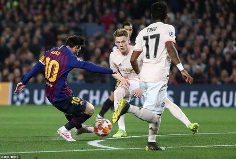 Dang cap cua Lionel Messi giup Barca huy diet MU hinh anh 2