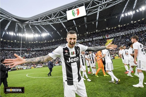 Juventus, Ronaldo va quyen luc tuyet doi o Italy hinh anh 1