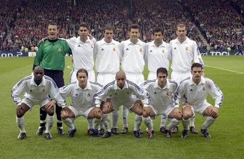 Zinedine Zidane va khoanh khac vi dai cua thien tai hinh anh 7