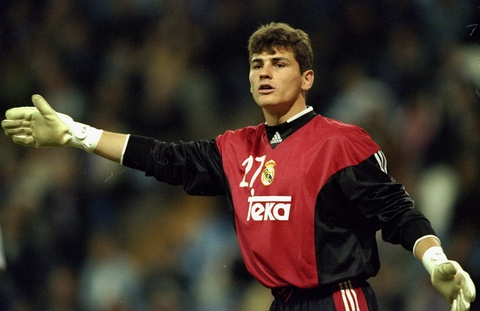 Iker Casillas giai nghe: Cai ket buon cho mot huyen thoai hinh anh 4