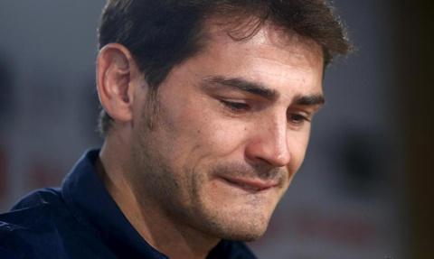 Iker Casillas giai nghe: Cai ket buon cho mot huyen thoai hinh anh 8