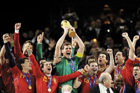 Iker Casillas giai nghe: Cai ket buon cho mot huyen thoai hinh anh 9