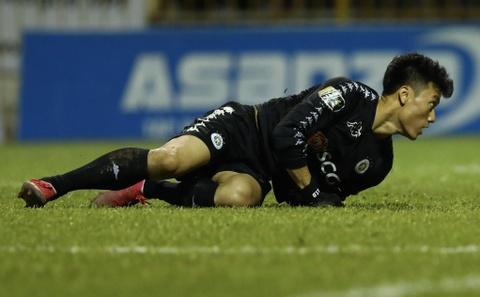 CLB Ha Noi thua dam trong ngay nhan cup vo dich V.League 2019 hinh anh
