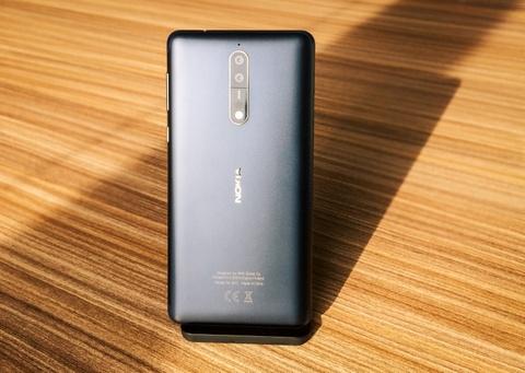 Nokia 8 ra mat voi camera kep, ong kinh Zeiss hinh anh