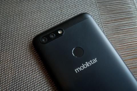 Can canh 2 smartphone Mobiistar tam trung vua ra mat hinh anh 4