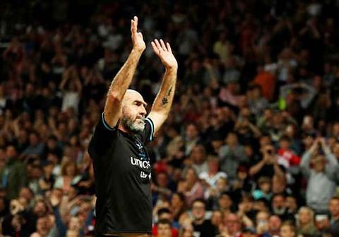 Eric Cantona tai xuat o Old Trafford khi da cho 'doi the gioi' hinh anh