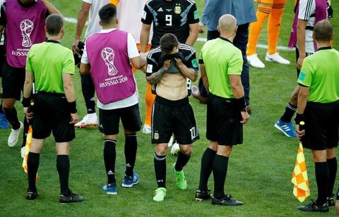 Tam diem Messi trong ngay Argentina 'muoi mat' chia diem hinh anh