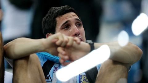Fan Argentina rot nuoc mat sau tran thua nghiet nga hinh anh