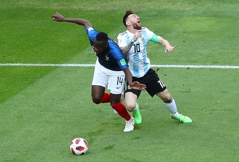 Messi that vong trong ngay Argentina bi loai khoi World Cup hinh anh 3