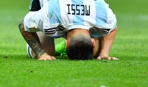 Messi that vong trong ngay Argentina bi loai khoi World Cup hinh anh 9