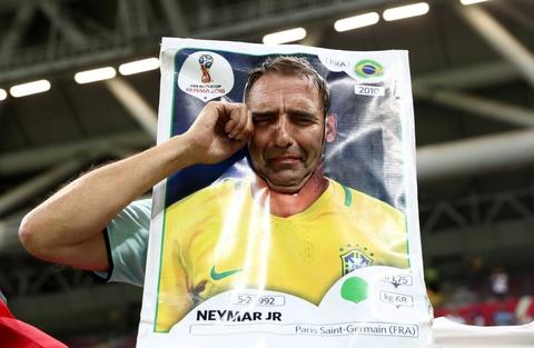 Co dong vien khong cam noi nuoc mat truoc that bai cua Brazil hinh anh