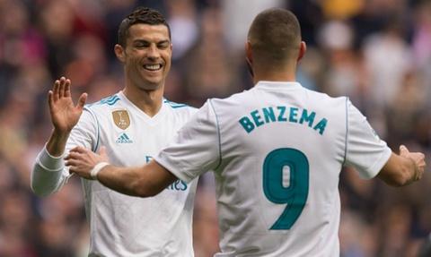 Benzema tu tin thay the Ronaldo de di vao lich su Real hinh anh