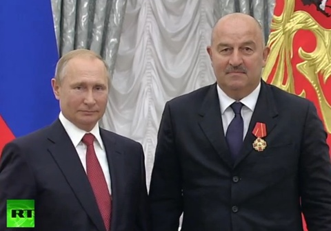 DT Nga duoc Tong thong Putin tang huan chuong vi thanh tich World Cup hinh anh