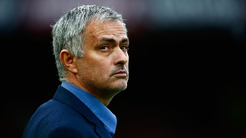 HLV Mourinho: 'Ban co biet muon sa thai toi ton bao nhieu tien khong?' hinh anh