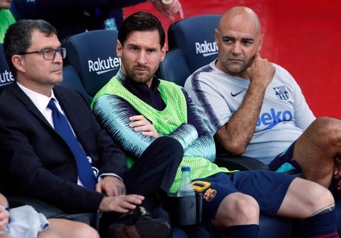 Suarez: 'Barcelona khong the luc nao cung trong cay vao Messi' hinh anh